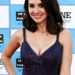 Alison Brie Cup Size