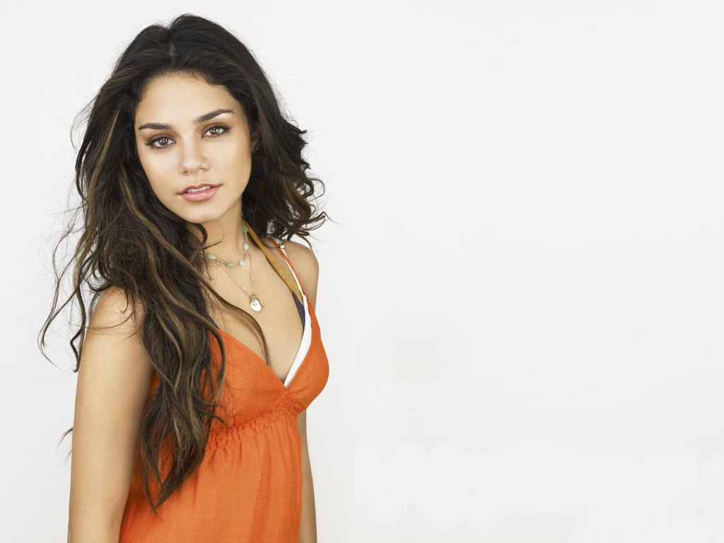 Vanessa Hudgens Breast Size