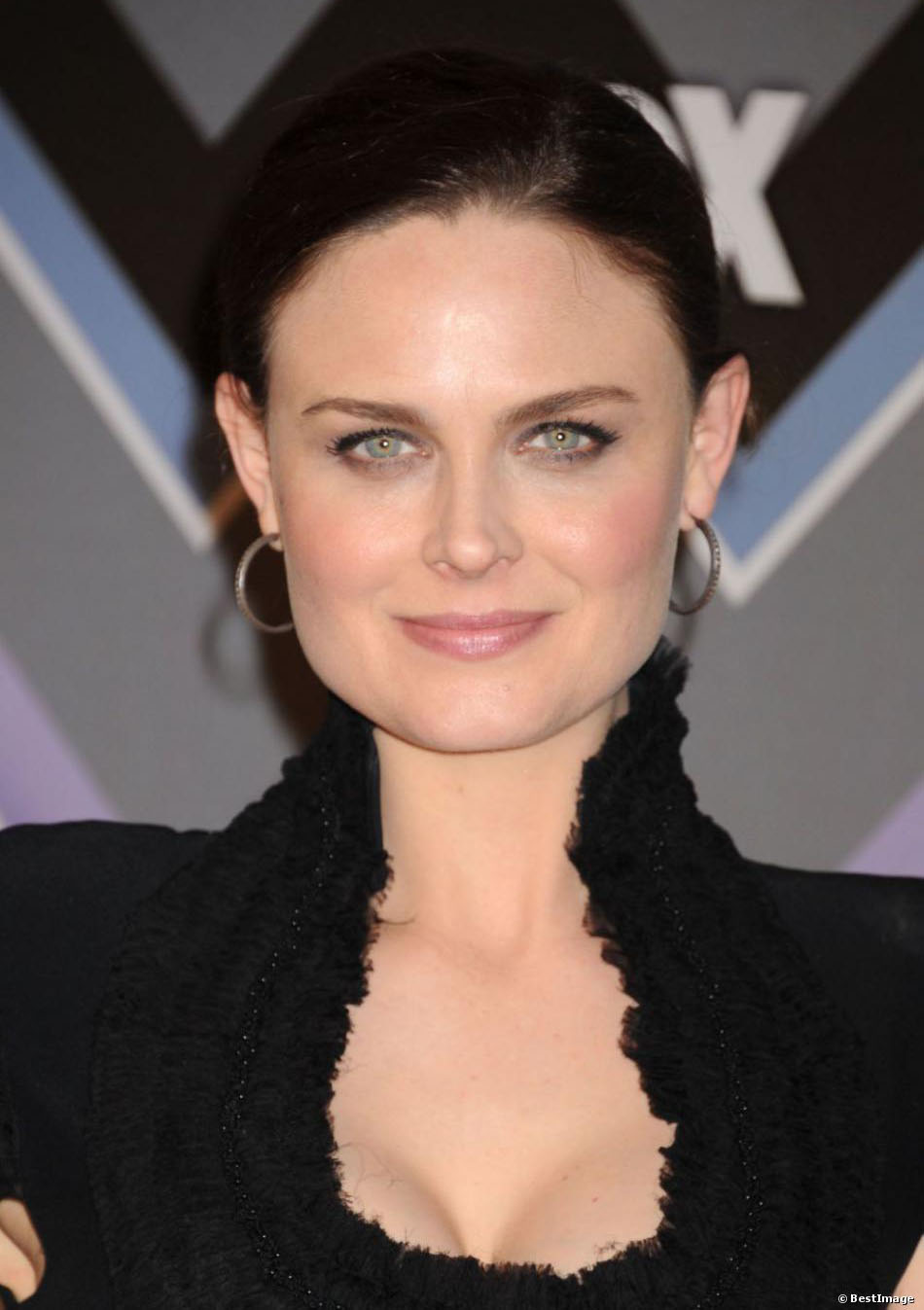 Emily Deschanel Cup Size Her Bra Size