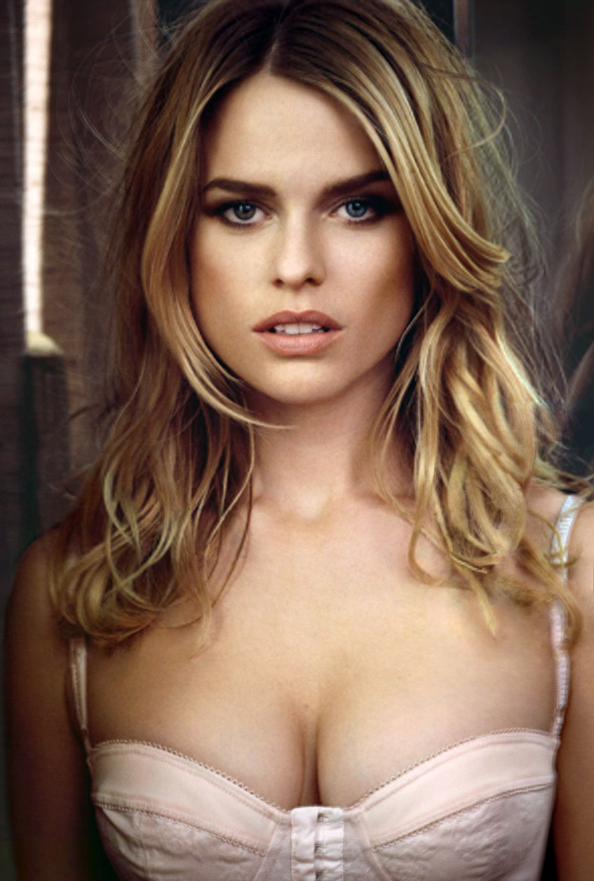 Alice Eve breasts